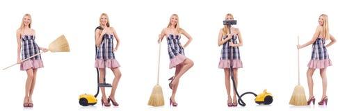 La mujer hermosa en concepto housecleaning fotografía de archivo libre de regalías