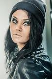 La mujer joven, adolescente lleva estilo del grunge Imágenes de archivo libres de regalías