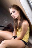 La mujer joven atractiva de la belleza fotos de archivo