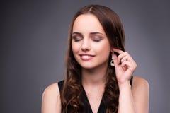 La mujer joven en concepto del maquillaje de la belleza Fotografía de archivo