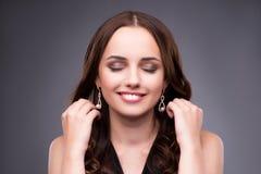 La mujer joven en concepto del maquillaje de la belleza Fotografía de archivo libre de regalías