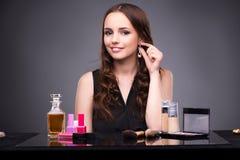 La mujer joven en concepto del maquillaje de la belleza Fotos de archivo libres de regalías