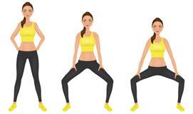 La mujer joven hace ejercicios de las posiciones en cuclillas con las manos en las caderas Muchacha apta en ropa de deportes Cará Imágenes de archivo libres de regalías