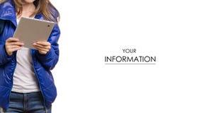 La mujer joven hermosa viaja con un modelo de la mochila y de la tableta imagen de archivo