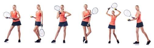 La mujer joven que juega al tenis aislado en blanco Fotografía de archivo