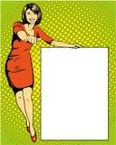 La mujer permanece al lado del tablero blanco en blanco Ejemplo retro del vector del estilo de los tebeos del arte pop stock de ilustración