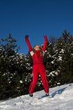 La mujer que salta en el aire Imagen de archivo libre de regalías