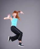 La mujer que salta y que baila Imágenes de archivo libres de regalías