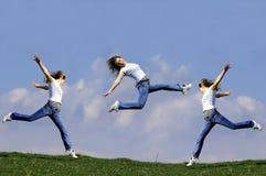La mujer salta Imagenes de archivo