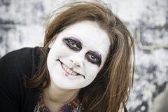 La mujer sonríe diabólico imágenes de archivo libres de regalías