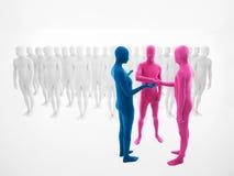 La mujer vestida en traje azul persuade a dos hombres vestidos en rosa Foto de archivo libre de regalías