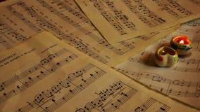 La musica nota gli strati e le candele archivi video
