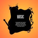 La musica nota la chitarra e il drumset con spazio per la parte posteriore del testo Immagini Stock