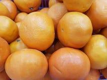 La naranja es una fruta para adorar las imágenes de Buda y las cosas sagradas de ascendencia china en ocasión del Año Nuevo fotografía de archivo