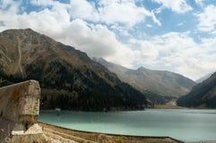 La natura del Kazakistan Lago almaty Immagini Stock Libere da Diritti