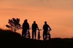 La nature se déclenche, des visites de vélo et des amitiés Images stock