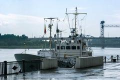 La nave ancorata nella pioggia Fotografia Stock Libera da Diritti