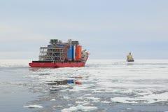 La nave Bigroll Beaufort y el evento para romper el hielo Tajmyr en polar hiela foto de archivo libre de regalías