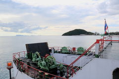 La nave da crociera termina il parcheggio del porto Fotografia Stock Libera da Diritti