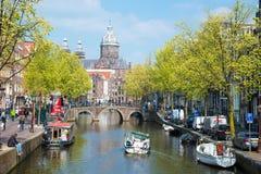 La nave di escursione sul canale a Amsterdam Fotografie Stock Libere da Diritti