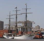 La nave di navigazione dei tre alberi a Dakar Fotografia Stock Libera da Diritti