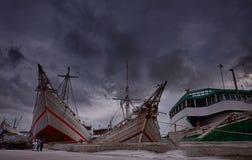 La nave gigante di porto Sunda Kelapa fotografia stock