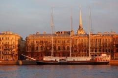 La nave vieja y el resorte #2 Fotografía de archivo