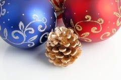 La Navidad/Año Nuevo de decoraciones Foto de archivo libre de regalías