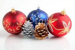 La Navidad/Año Nuevo de decoraciones Imagenes de archivo