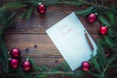 La Navidad adorna el fondo, espacio para el texto Foto de archivo