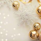 La Navidad adorna el marco Fotos de archivo