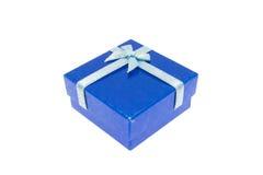 La Navidad azul y caja de regalo importante del festival Fotografía de archivo