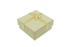 La Navidad beige y caja de regalo importante del festival Imagen de archivo