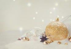 La Navidad blanca con nieve Imágenes de archivo libres de regalías