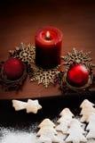 La Navidad blanca - decoración y galletas Imágenes de archivo libres de regalías