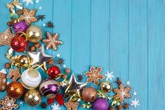 La Navidad, composición de los días de fiesta del Año Nuevo de las galletas del pan de jengibre, Foto de archivo libre de regalías
