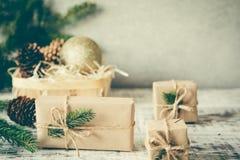 La Navidad Composición de la Navidad Regalo de la Navidad, perno Fotografía de archivo