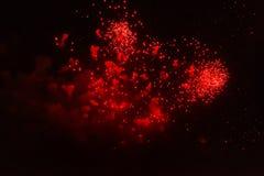 La Navidad, días de fiesta, partido y concepto de la pirotecnia - bengala del Año Nuevo sobre fondo negro con nieve Fotos de archivo libres de regalías