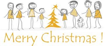 La Navidad de la familia con los amigos alrededor de un árbol de abeto Fotografía de archivo