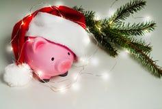 La Navidad de la hucha para sus regalos grandes de la compra foto de archivo