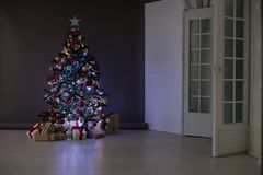 La Navidad de los regalos del árbol de navidad de las decoraciones de la Navidad Foto de archivo