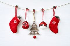 La Navidad Decoración de la Navidad en el fondo blanco Fotos de archivo