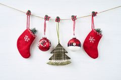 La Navidad Decoración de la Navidad en el fondo blanco Imagen de archivo libre de regalías