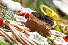 La Navidad del chocolate y de las galletas imagen de archivo libre de regalías
