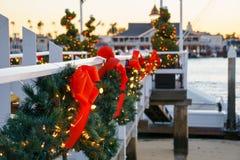 La Navidad del muelle del barco de la isla del balboa Imagen de archivo
