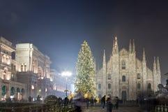 La Navidad en el cuadrado del Duomo, Milán Fotos de archivo