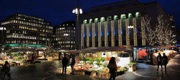 La Navidad en Hötorget en Estocolmo Imagen de archivo libre de regalías