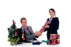 La Navidad en oficina Imagen de archivo libre de regalías