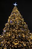 La Navidad en Polonia, Kraków, centro, árbol de navidad imagen de archivo libre de regalías