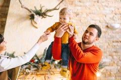 La Navidad Family foto de archivo libre de regalías